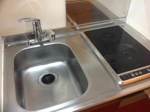 レオパレスフレア 104号室のキッチン
