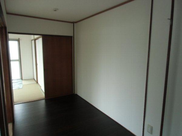 田口荘 302号室のリビング