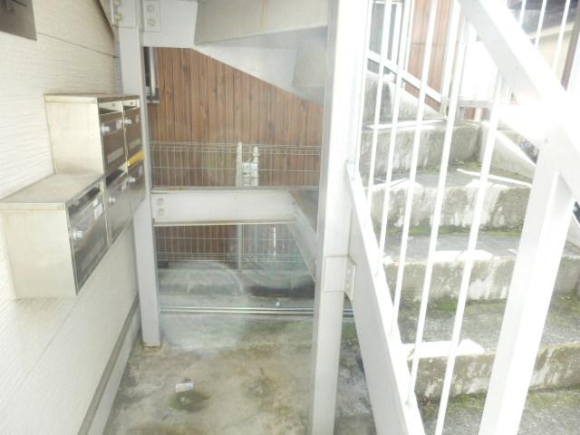N.Y.アベニュー横浜 103号室のエントランス