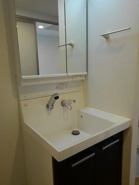 フェリーチェ ウーノ 01010号室の洗面所