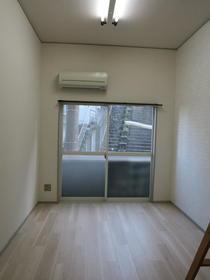 ヴァンドーム戸塚 101号室のバルコニー