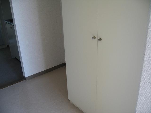 プロバンス 306号室の収納