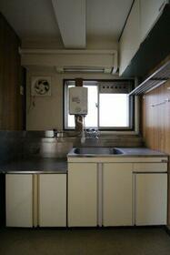 鳥海ハイム 504号室のキッチン