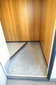 鳥海ハイム 504号室の玄関