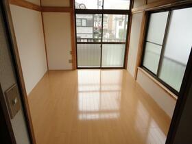 コーポ倉田 201号室のリビング