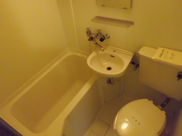 クレスト大和東 105号室の風呂