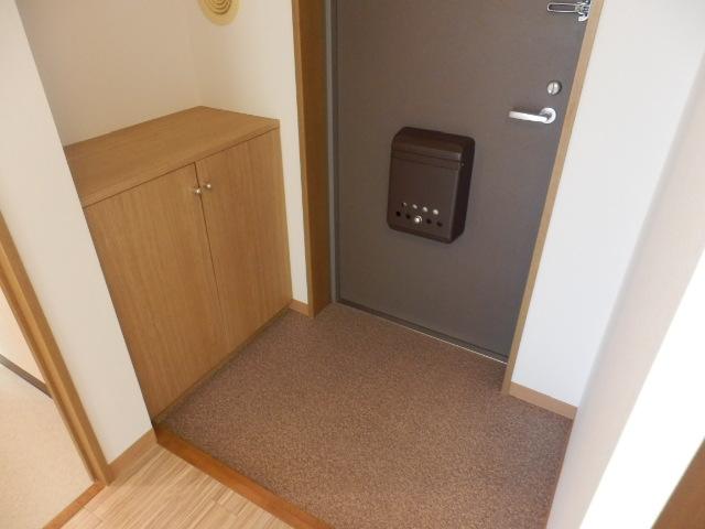 メゾンY・K 403号室の玄関
