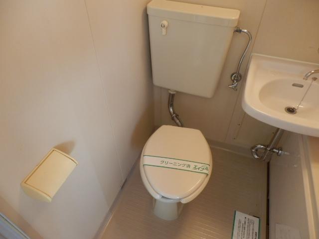長瀬ビル 302号室のトイレ