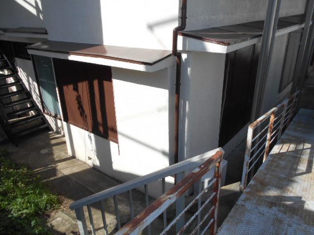 第一城田荘 102号室のエントランス