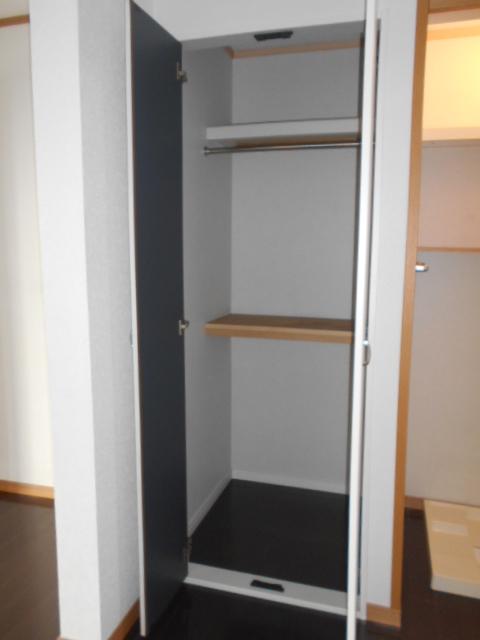 第一城田荘 102号室の収納