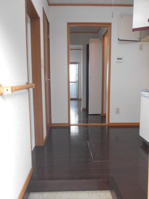 第一城田荘 102号室の玄関