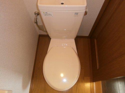 ファーストステージ 201号室のトイレ