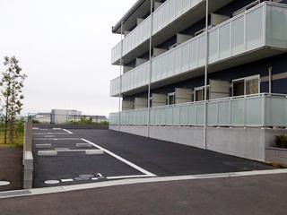 レオネクストレジーナⅢ 106号室の駐車場
