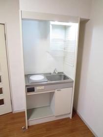 KSGマリーン三ツ堀Ⅲ 205号室のキッチン