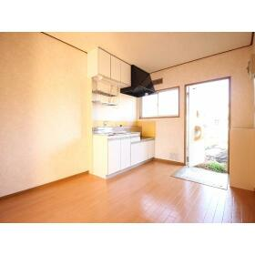 岸田ファミリーハイツ 101号室のキッチン