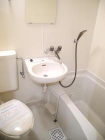 第三東和ビル 502号室の風呂