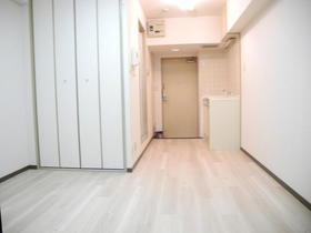 第三東和ビル 502号室のリビング