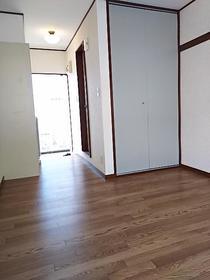 メゾンエレーズNo.2 202号室の居室