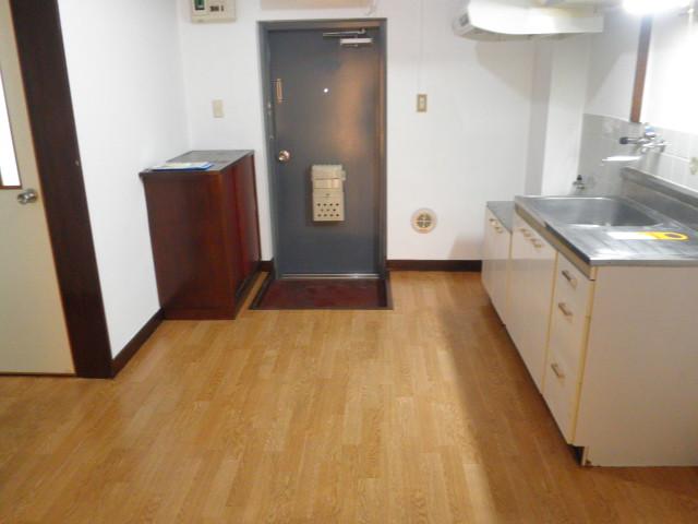 蔵王コーポ 205号室のリビング