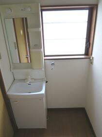 岡部邸の洗面所