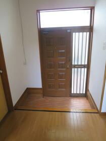 岡部邸の玄関