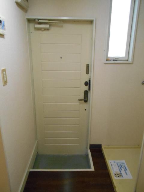 コーポ白鷺 102号室の玄関