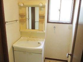 和泉町戸建の洗面所