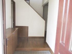 和泉町戸建の玄関