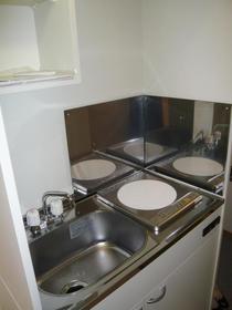 ポルタロッサ 204号室のキッチン