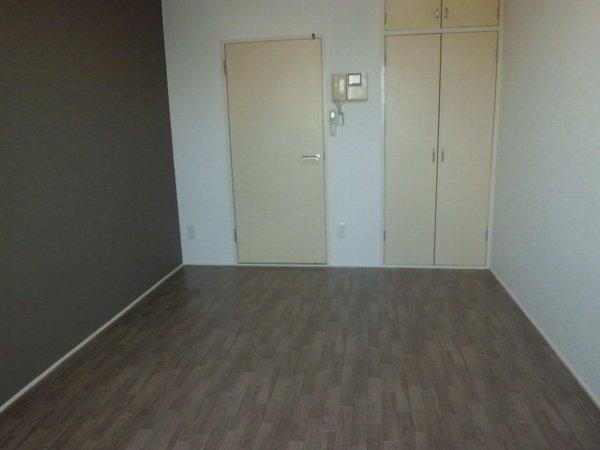 グリーンピア富岡Ⅰ 1305号室のリビング