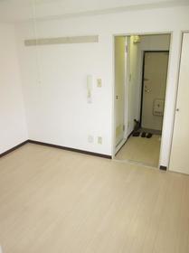 ジュネパレス座間第14 0201号室の玄関