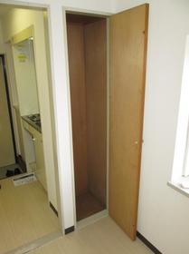 ジュネパレス座間第14 0201号室の収納