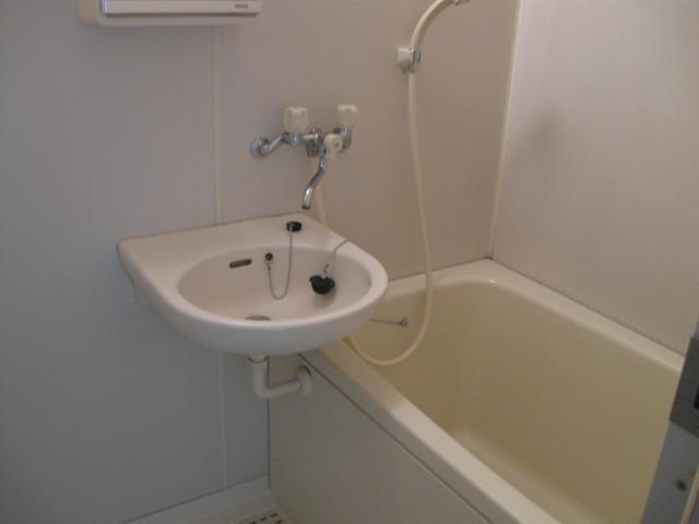 ヴェルディやまぐちC 203号室の風呂