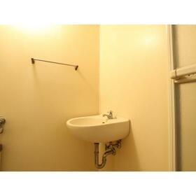 新井ハイツ 104号室の洗面所