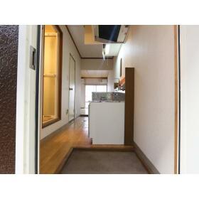 新井ハイツ 104号室の玄関