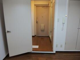 パークサイド本牧 301号室の玄関