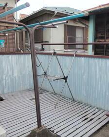 金子荘 201号室のバルコニー