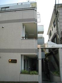 スカイコート横浜港南台 205号室のエントランス