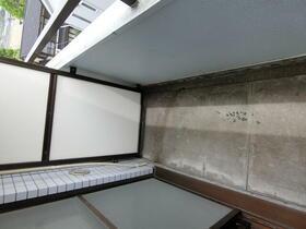 スカイコート横浜港南台 205号室のバルコニー