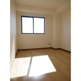 TMビル 0401号室の居室