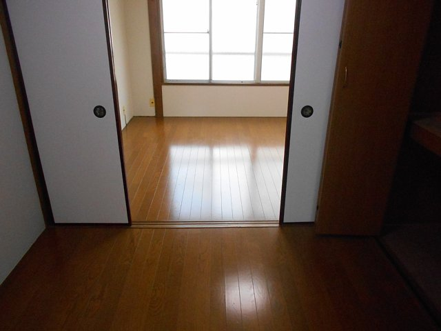 松山コーポ 102号室のベッドルーム