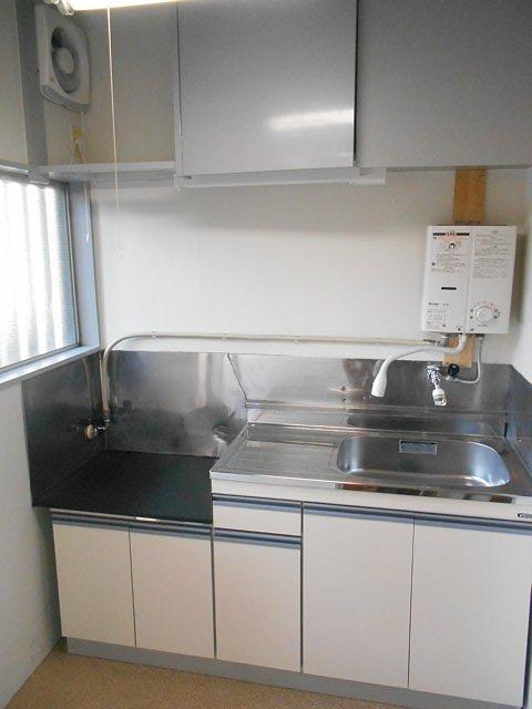 松山コーポ 102号室のリビング