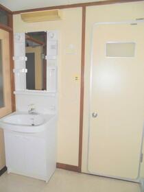 ひばり団地 19号室の洗面所