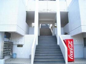 スカイコート横浜富岡 409号室のエントランス
