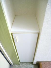 スカイコート横浜富岡 409号室の収納