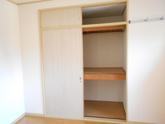 サンライズコーポ町田 202号室の収納