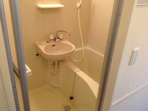 レオパレスハレ マレコ 206号室の風呂