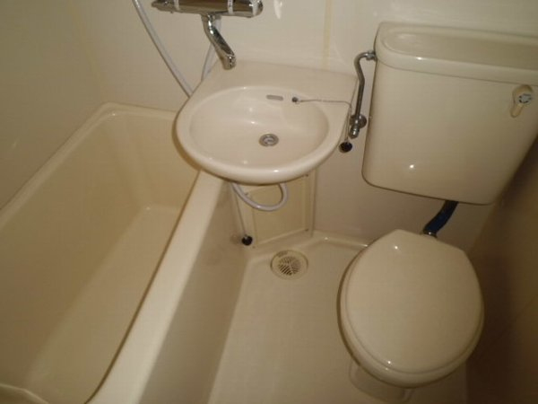 プロバンス 311号室の洗面所