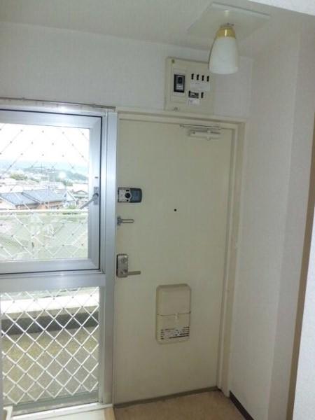 プロバンス 311号室の玄関