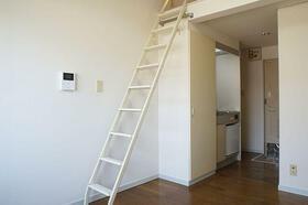 パレス藤棚 203号室のリビング